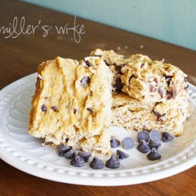 Peanut Butter Banana Chocolate Chip Cookie Bars