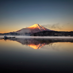 Misty Lake by Nyoman Sundra - Landscapes Sunsets & Sunrises ( fuji, lake, yamanaka, sunrise, landscape )