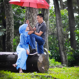 red umbrella 2 by Hardy Hideung - People Couples