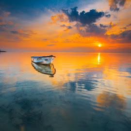 boat #sanur beach by Gus aik Pradnyana Putra - Landscapes Beaches ( bali, sanur, morning, boat )