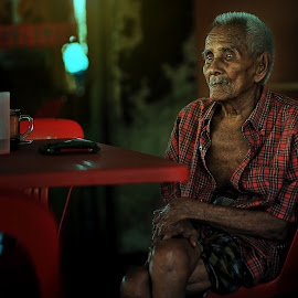 by Mohamad Azhar Azmi - People Portraits of Men