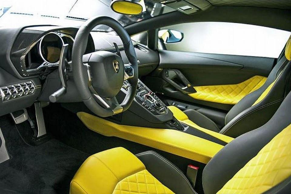 Lamborghini Aventador LP720-4 50 Interior