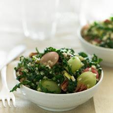 Bulgur Salad with Grapes and Kale