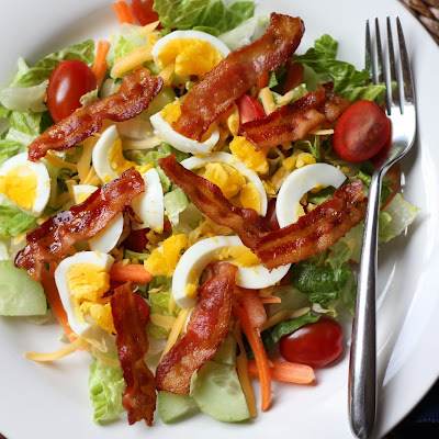 Bacon and Egg Garden Salad