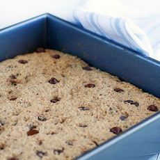 Gluten-Free Breakfast Bars Recipe with Quinoa Flakes, Hazelnuts and Cherries