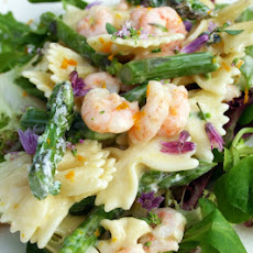 Garlic Prawn And Asparagus Farfalle Salad