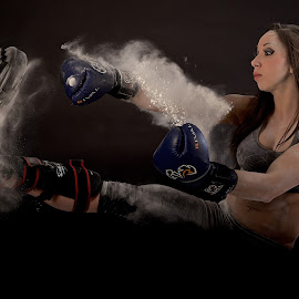 Ouch! by Josée Houle - Sports & Fitness Boxing ( kick, floor, d800, boxing, nikon,  )