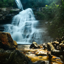 Hui Saai Leung Water fall by Kris Wong - Landscapes Waterscapes