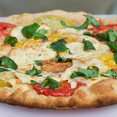 Heirloom Tomato and Smoked Mozzarella Pizza