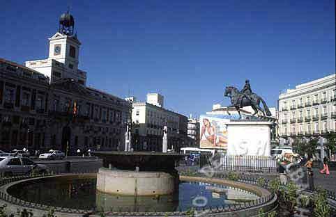 [plaza_puerta_del_sol_2[2].jpg]