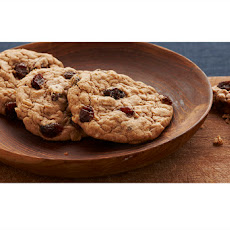 Spicy Oatmeal Raisin Cookies