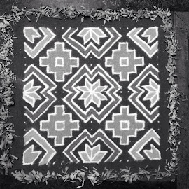 Rangoli pattern in black & white by Hrushikesh Joshi - Instagram & Mobile iPhone