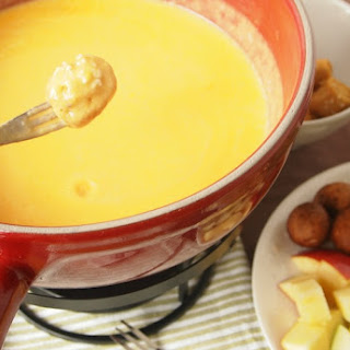 Cheddar and Cider Fondue