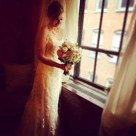 So so so gorgeous, I love my job!! by Julie Dabour - Wedding Bride ( bride, weddings, weddingphotography, weddingday, gorgeous, beautiful )