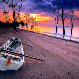Boat & Sunrise by Bambang Pawiroredjo - Transportation Boats