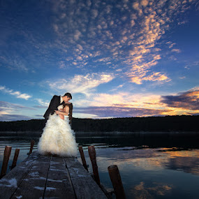 Wedding in croatia by Petar Lupic - Wedding Bride & Groom ( bride-and-groom, kissing, sunset, wedding, croatia, beach )