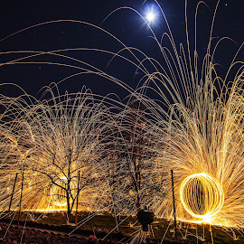 feu by Joachim Dieng - Abstract Light Painting