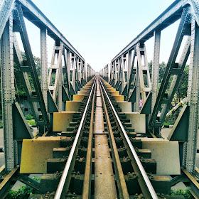 rel jembatan.jpg