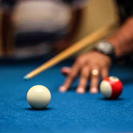 Playing pool by Chris Anderson - Sports & Fitness Cue sports ( ball, pool, blue, ball games, focus, blur, dof, cue sports, snooker, pool table,  )