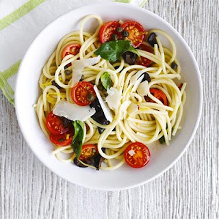 Spaghetti With Cherry Tomato & Black Olive Sauce
