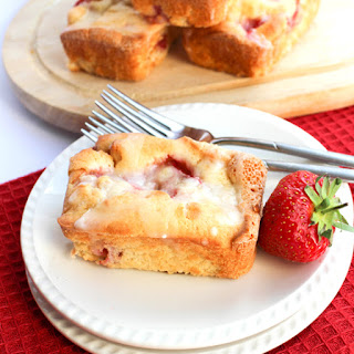 Strawberry Drizzle Cakes