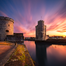 Sunrise LR by Sebastien Gaborit - Buildings & Architecture Public & Historical ( la rochelle harbor sunrise sunburst )