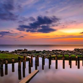 Abandoned by Eric Tai - Landscapes Sunsets & Sunrises ( waterscape, sunset, long exposure, beach, landscape, longexposure,  )