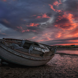 Fiery Dawn by Graham Kidd - Transportation Boats