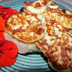 Halloumi Cheese With Lemon and Olive Oil
