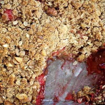 Strawberry Raspberry Crumble