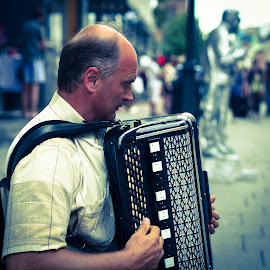 Oslo High st by Robert Grayston - People Musicians & Entertainers