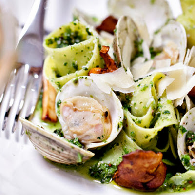 Linguine with Littleneck Clams, Chanterelles and Broccoli Rabe Pesto