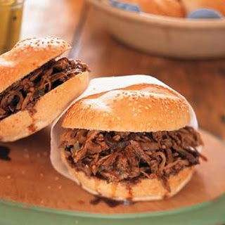 Pulled Pork with Mint Julep Barbecue Sauce