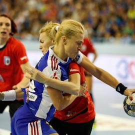 Ada Nechita vs. Iulia Curea by Sabin Malisevschi - Sports & Fitness Other Sports ( defense, ball, ada nechita, iulia curea, struggle, handball, attack, match )