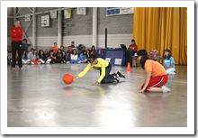 Los estudiantes conocieron el gol-ball que practican las personas ciegas.