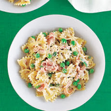 Pasta with Peas, Ham and Parmesan Cheese