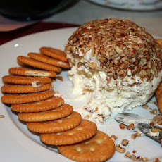 Cheddar Pecan Cheese Ball
