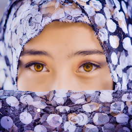 Rolling Eyes by Hendra Sulistyawan - People Street & Candids ( eyes beauty hijab brilian excelent )