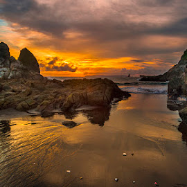 Payangan by Andy R Effendi - Landscapes Sunsets & Sunrises ( jember, sunset, indonesia, payangan, landscape, rocks, papuma )