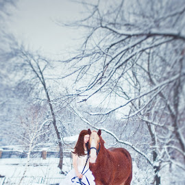 friends by Irina Sumchenko - Wedding Bride ( # bride, #winter, #horse, weddings, wedding, #wedding, marriage )