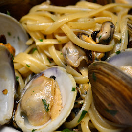 Linguini with clam sauce by Mary Smiley - Food & Drink Plated Food ( clams, linguini,  )