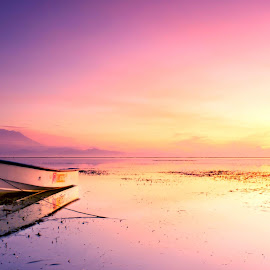 Early Morning by Muhammad Daffa - Transportation Boats