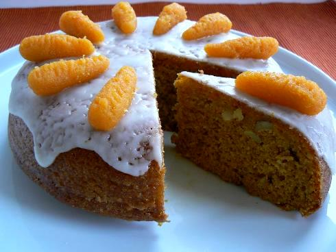 Morkų - migdolų tortas