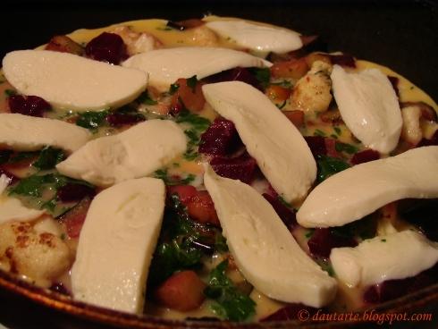 Daržovių ir mocarelos omletas