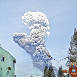 Smoke of Volcano by Kriswanto Ginting's - News & Events Disasters ( volcano, mount, indonesia )