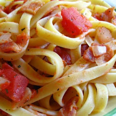Tomato, Bacon and Onion Fettuccine