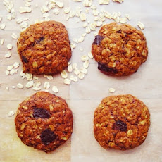 The Perfect Vegan Oatmeal Chocolate Chip Cookies