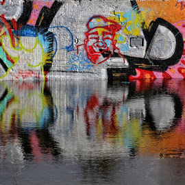 Grafiti mirror by Gerrit Kuyvenhoven - Artistic Objects Other Objects ( mirror, water, graffiti, amsterdam, ndsm )