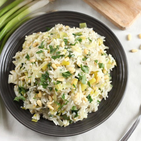 Prasorizo (Greek rice with leeks)
