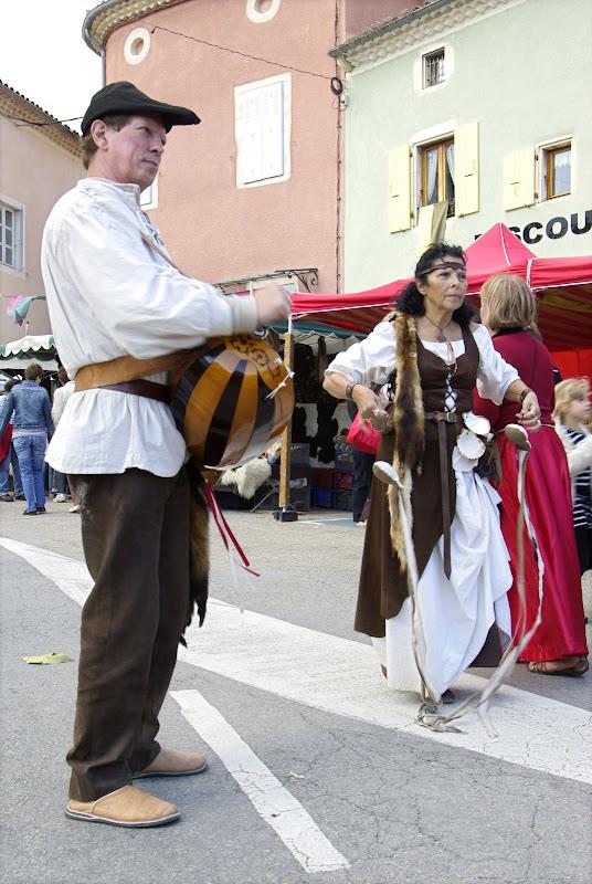 Fête médiévale à Cruas (Ardèche) - La célèbre vielle à roue.
